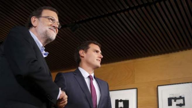 El presidente del Gobierno en funciones, Mariano Rajoy, y el líder de Ciudadanos, Albert Rivera.