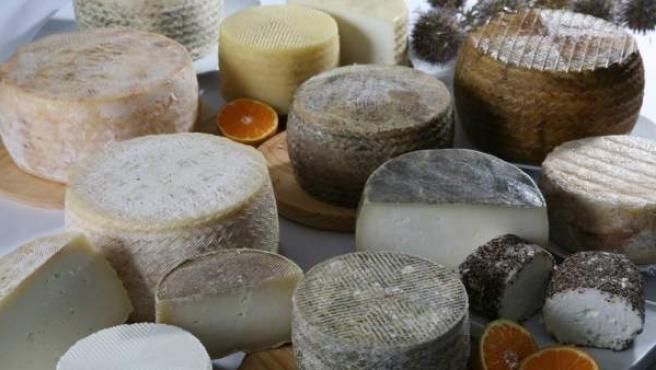 Varios tipos de queso, en una imagen de archivo.