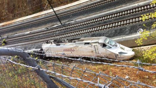 Estado en el que quedó el tren tras el accidente del Alvia en Angrois, Santiago de Compostela.