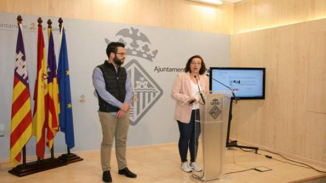 Joana Maria Adrover en la rueda de prensa sobre la tarjeta ciudadana