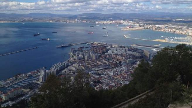 Vista de la Bahía de Algeciras desde Gibraltar.