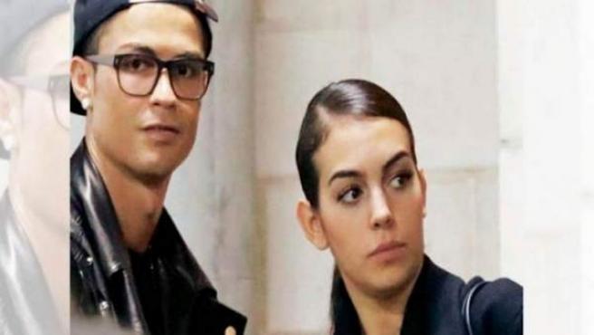 El futbolista Cristiano Ronaldo y su pareja, Georgina Rodríguez, en otra foto juntos.