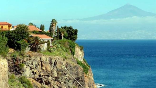 Desde el Parador de La Gomera se ve la isla de Tenerife y la cumbre del Teide.