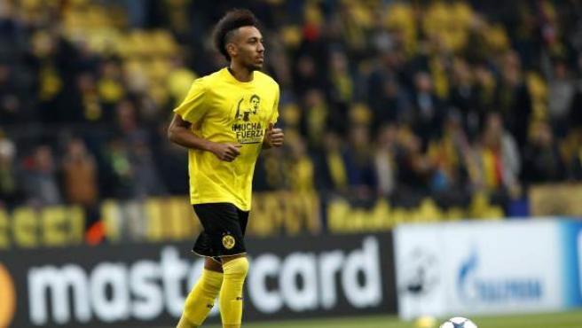 Camiseta de apoyo de Aubameyang, del Borussia Dortmund a Marc Bartra.