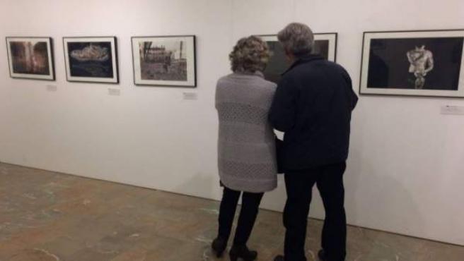 Nota/La Exposición De Fotografía 'Con Genio' Sob Re Los Proyectos Del Máster Uca