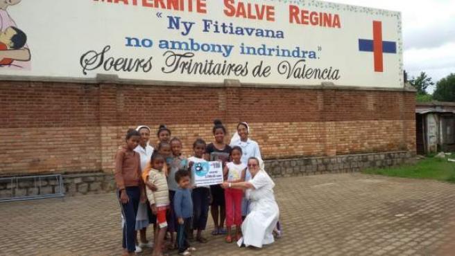Donación de Rutas del Silencio y FSIB para un quirófano en Madagascar