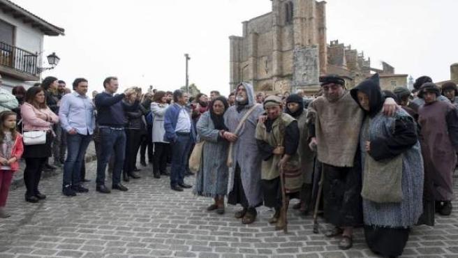El Presidente de Cantabria, Miguel Ángel Revilla, asiste a la pasión viviente de