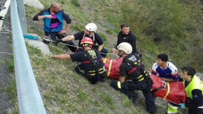 Rescatan a una motorista en San Glorio