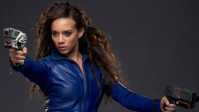 Hannah John-Kamen se une a Alicia Vikander en 'Tomb Raider'