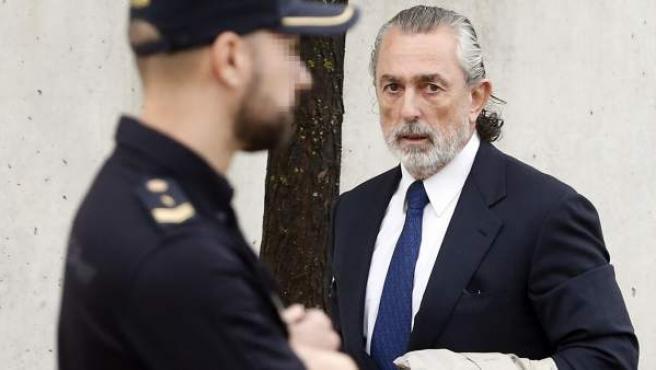 El presunto cabecilla de la trama Gürtel a su llegada a la Audiencia Nacional.