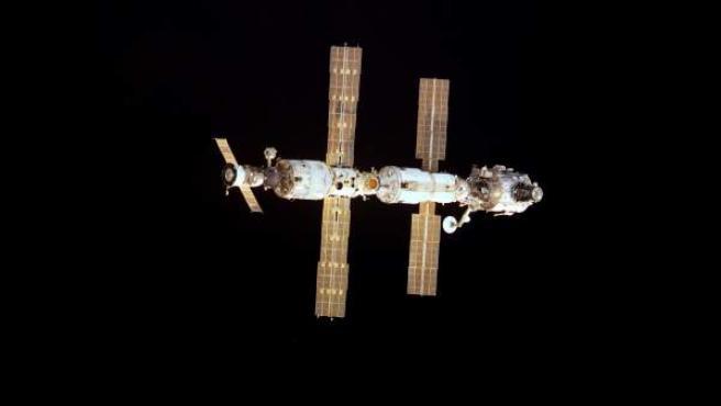 La Estación Espacial Internacional fue puesta en servicio el 2 de noviembre de 2000. El Gobierno de Estados Unidos y la NASA celebran este martes los 15 años de presencia humana continua en la EEI.