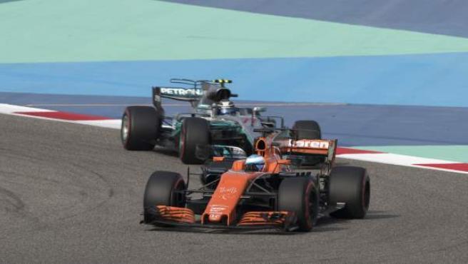 Fernando Alonso, rodando en el GP de Bahrein.