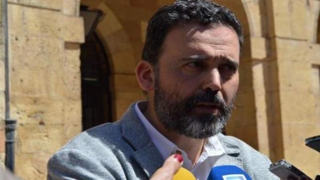 El concejal de Seguridad Ciudadana del Ayuntamiento de Oviedo, Ricardo Fernández