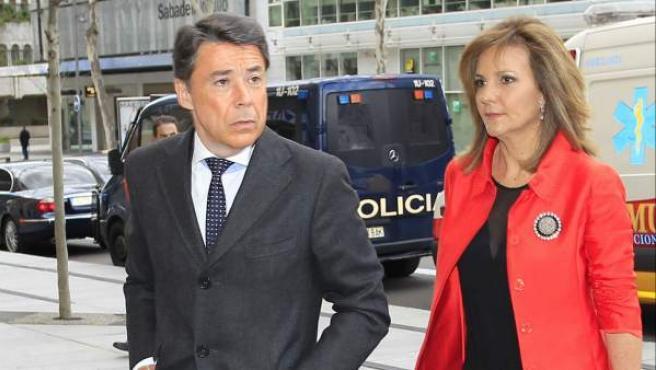 El expresidente de la Comunidad de Madrid, Ignacio González, junto a su esposa Lourdes Cavero.