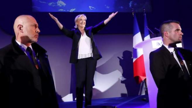 La candidata del Frente Nacional a la presidenciales francesas, Marine Le Pen, tras conocer los primeros resultados de los comicios de la primera vuelta.