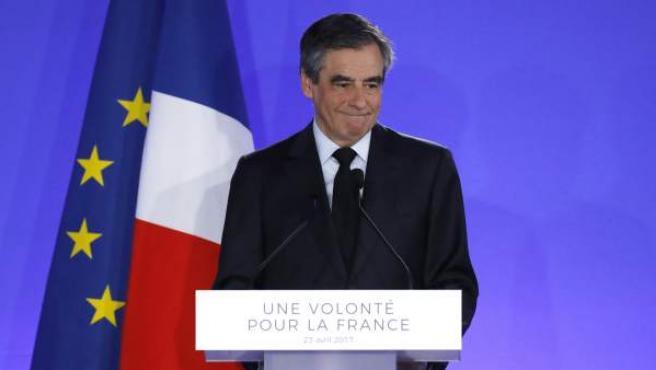 El conservador François Fillon reconoce su derrota tras hacerse públicos los primeros resultados de la primera vuelta de las presidenciales francesas.
