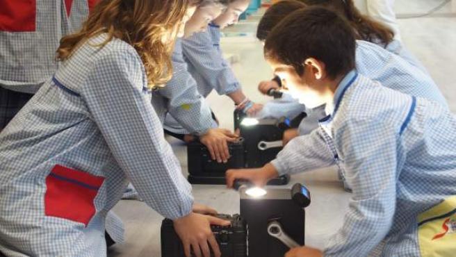 Estudiantes participando en el programa PlayEnergy