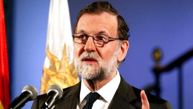 El presidente del Gobierno, Mariano Rajoy, durante una recepción en la embajada de España en Montevideo, en su primera visita oficial a Uruguay.