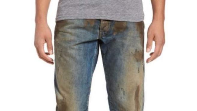 """Los pantalones vaqueros """"cubiertos de barro"""" de Nordstrom."""
