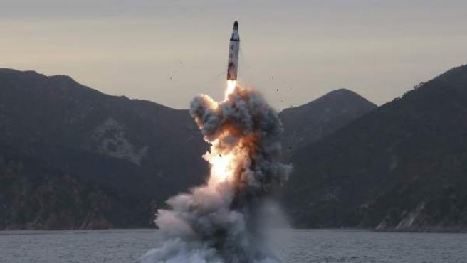 Un misil norcoreano lanzado en abril del pasado año.
