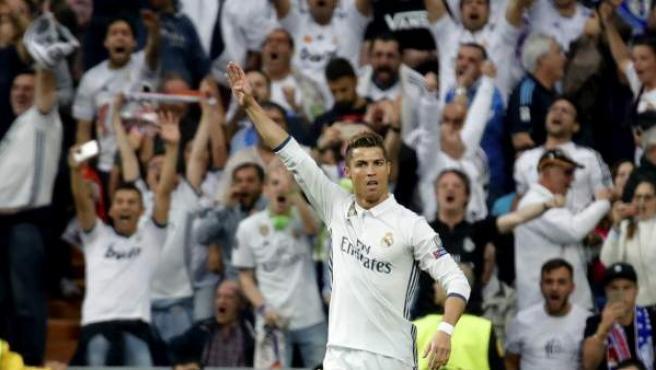 Cristiano Ronaldo celebra el 1-0 en el Real Madrid - Atlético.