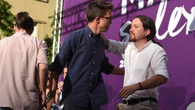 Los dirigentes de Podemos Íñigo Errejón (c), Irene Montero (i) y Pablo Iglesias (d) en Madrid.