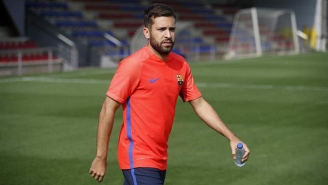 Jordi Alba entrenando con el Barça.