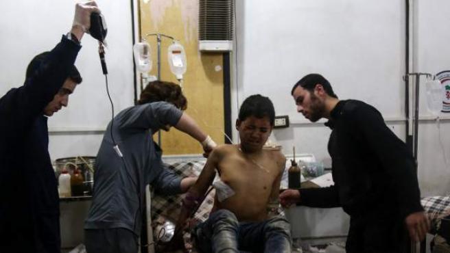 Un joven herido en los bombardeos en Siria el pasado martes.