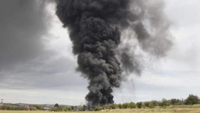 Varias personas han resultado heridas en el incendio generado en una planta de reciclaje de residuos de Arganda.