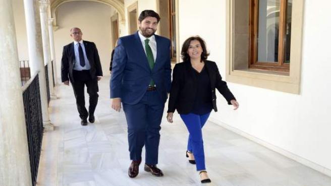 López Miras en la toma de posesión como presidente y Sáenz de Santamaría