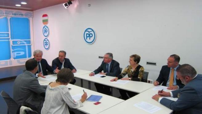 Reunión En La Sede Del PP De La Rioja