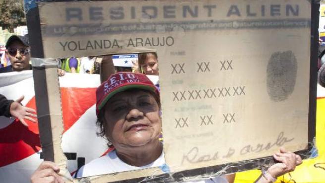 Manifestantes pidiendo una reforma para regularizar la situación de millones de indocumentados en EE UU.