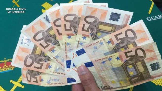 Ocho billetes falsificados intervenidos por la Guardia Civil
