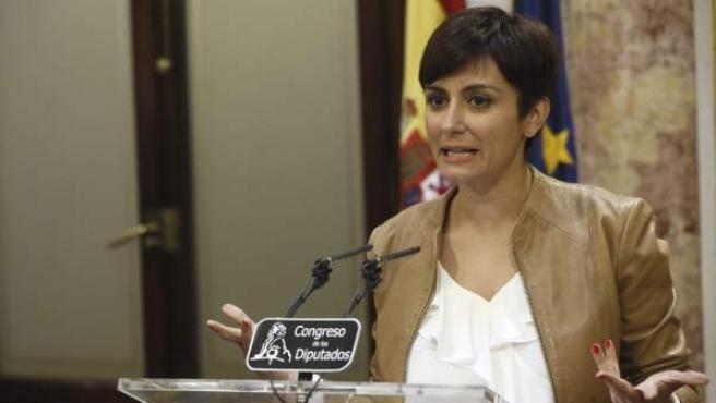 La portavoz del grupo socialista, Isabel Rodríguez.