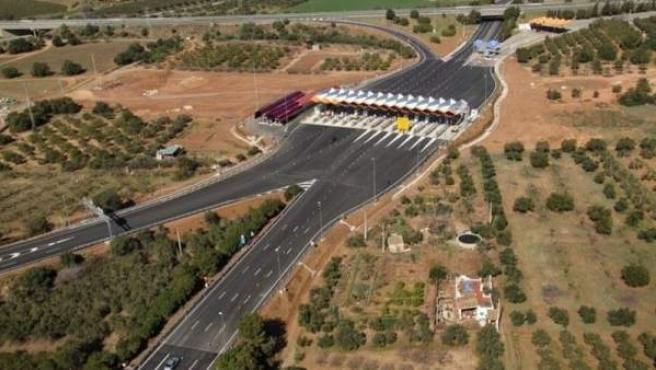 Imagen de un tramo de la AP-7 gestionada por el operador de autopistas Abertis.