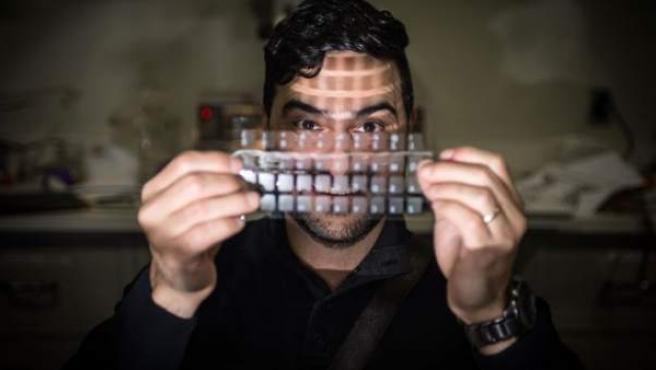 Nelson Sepúlveda presenta FENG, su altavoz en forma de lámina.