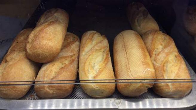 Barras de pan en el horno.