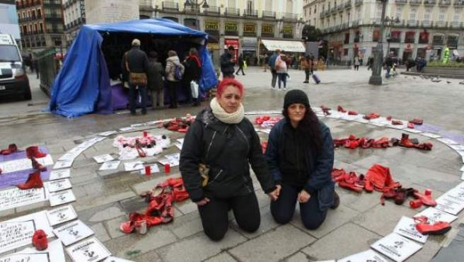 Mujeres acampadas en Sol en huelga de hambre para reclamar un pacto de estado contra la violencia machista.