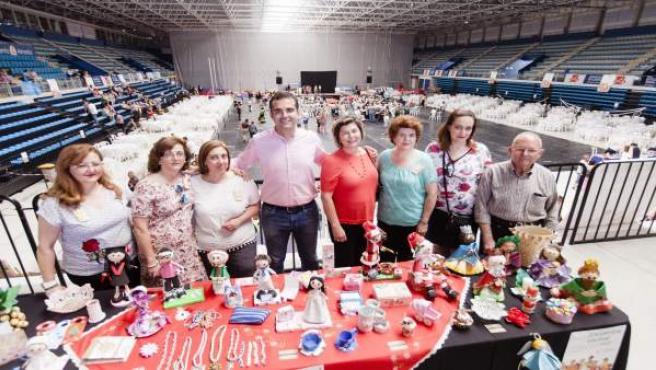 El alcalde de Almería asiste a uno de los actos del Encuentro Vecinal 2017