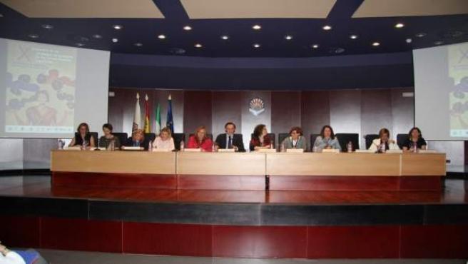 Mesa inaugural del encuentro