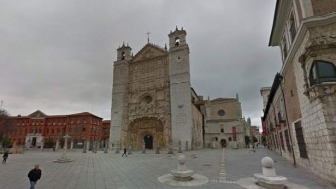 Fachada principal de la Iglesia de San Pablo en Valladolid.