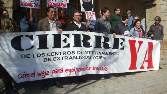 Manifestación de IU contra el CIE de Algeciras.