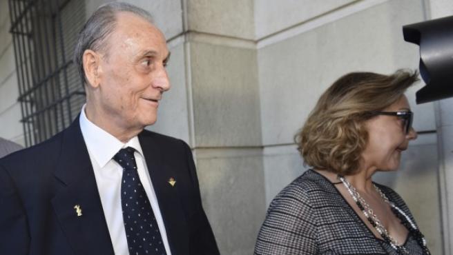 El expresidente del Real Betis Manuel Ruiz de Lopera, a su llegada esta mañana a la Audiencia Provincial de Sevilla.