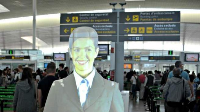 Asistente virtual en el Aeropuerto de Barcelona-El Prat.