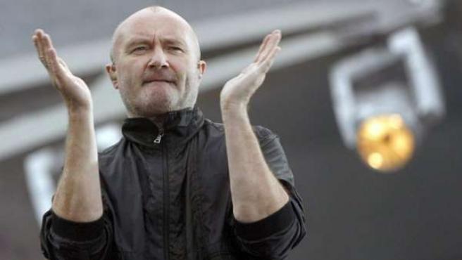 El cantante británico Phil Collins durante un concierto.
