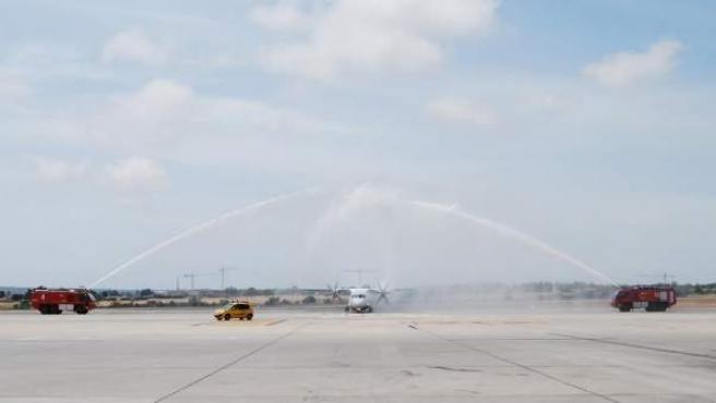 Avión de TAP en el Aeropuerto de Alicante
