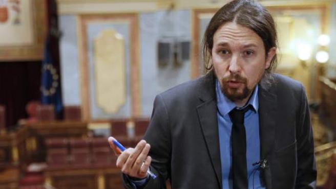 El líder de Podemos, Pablo Iglesias, durante una entrevista con Efe en el hemiciclo del Congreso de los Diputados.