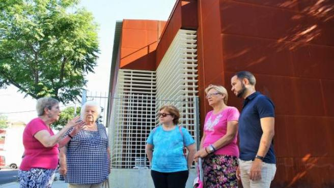 Visita de IU al Polígono Sur de Sevilla