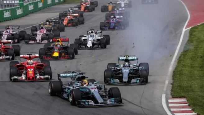 Hamilton, por delante del resto de pilotos, en el arranque del GP de Canadá.