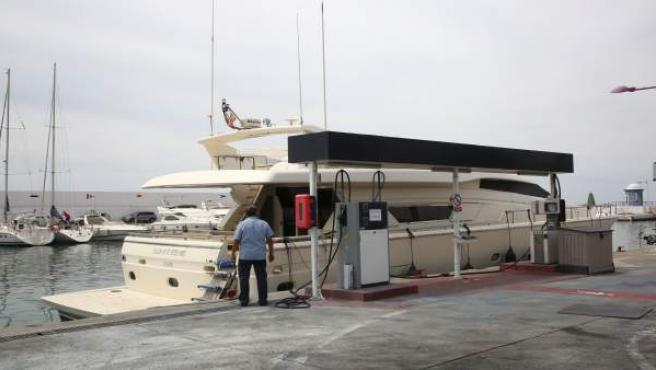 Gasolinera Marbella puerto deportivo remunicipalización